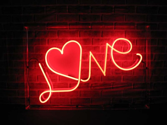 love-with-heart-o-neon-sign